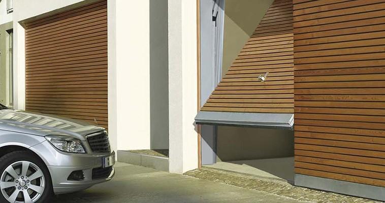 Puertas De Parkings Y Comercios Con Garaje Comunitario